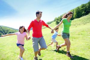 Umweltbewusst durchs ganze Jahr – grüne Aktivitäten mit Kindern unternehmen