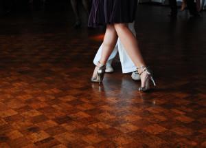 Von Walzer bis Discofox – kleiner Ratgeber für alle Tanzkurs-Interessierten