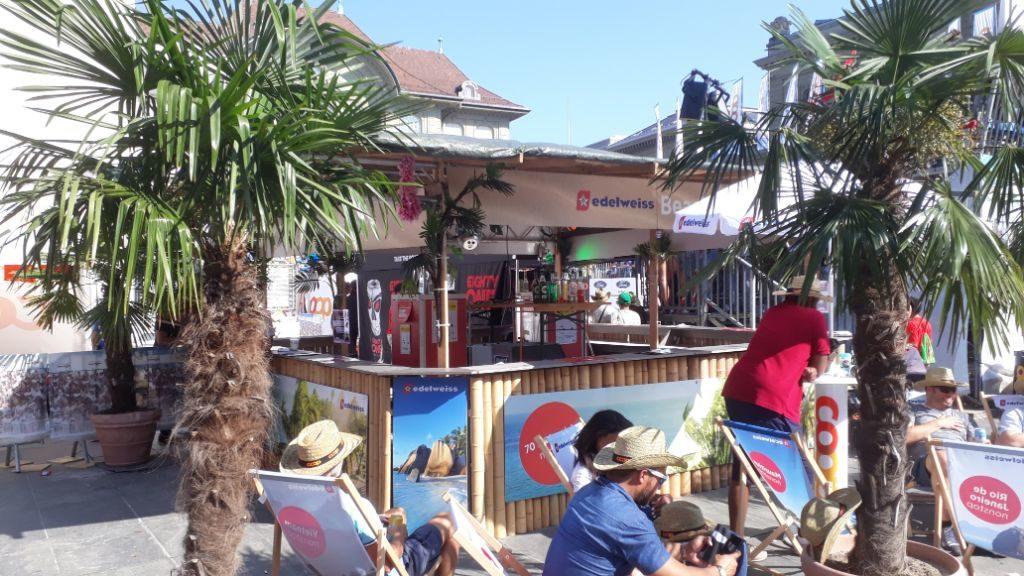 Coole Beach Bar mieten bei M. Dubach Barvermietung