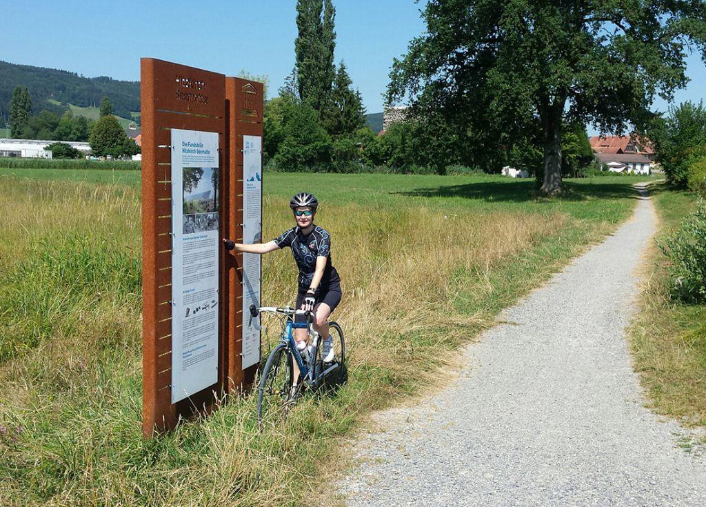 Kurz vor dem Ziel liegt die Fundstelle Hitzkirch-Seematte am Baldeggersee (Bild: Museum für Urgeschichte(n) Zug)