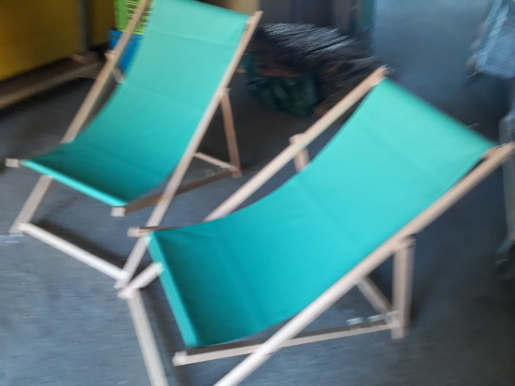 Holz Liegestuhl zu vermieten