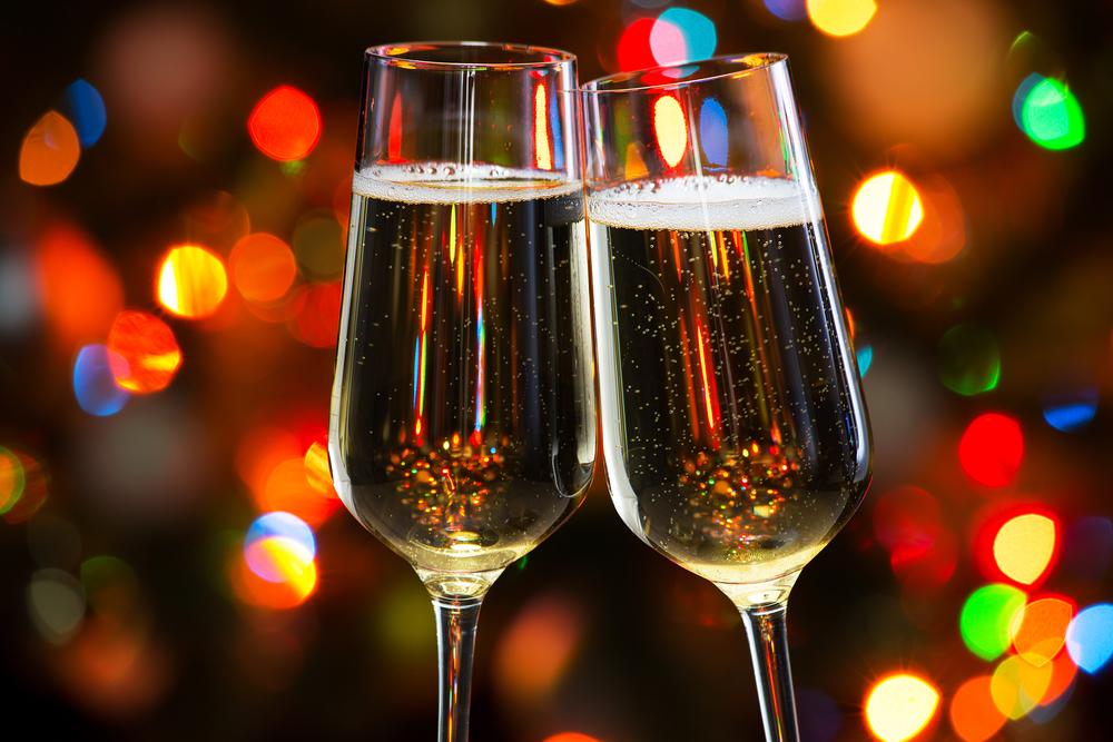 Entspannt feiern - mit einem zuverlässigen Bar Catering (Bild: Konstantin Chagin - shutterstock.com)