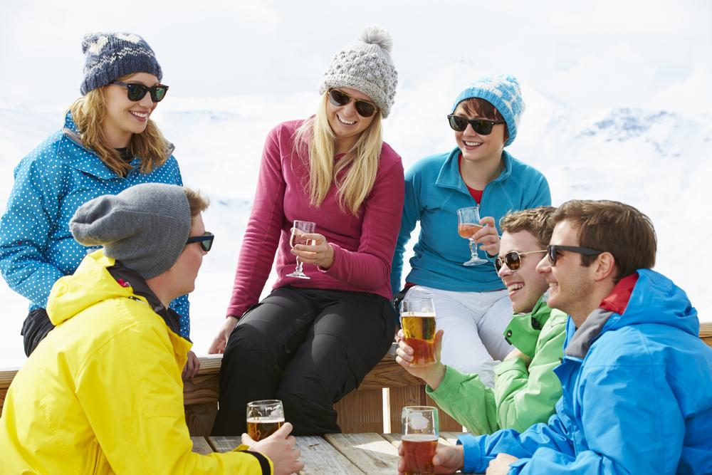 Viel Spass bei der Après-Ski-Feier (Bild: Monkey Business Images - shutterstock.com)