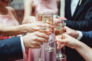 Betriebsfest einmal anders – Tipps für stimmungsvolle Motto-Partys