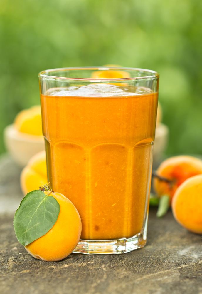 Fruchtige Getränke für die Maiparty (Bild: pilipphoto - shutterstock.com)