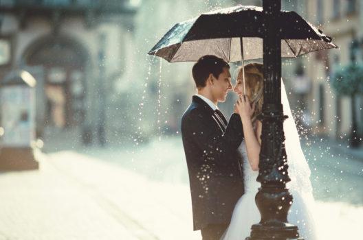 feature post image for Hochzeit im Regen? Mit diesen Tipps macht man das beste draus!