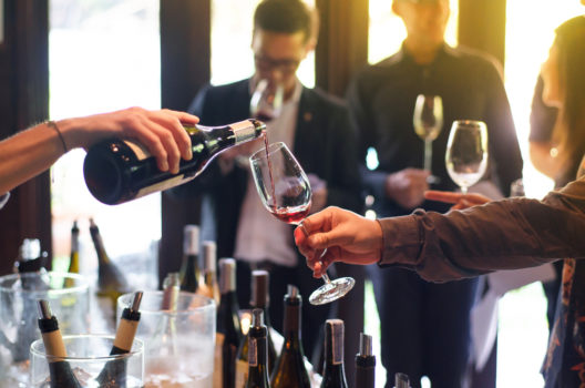 feature post image for Edle Tropfen geniessen: So wird der Weinabend zum Erfolg