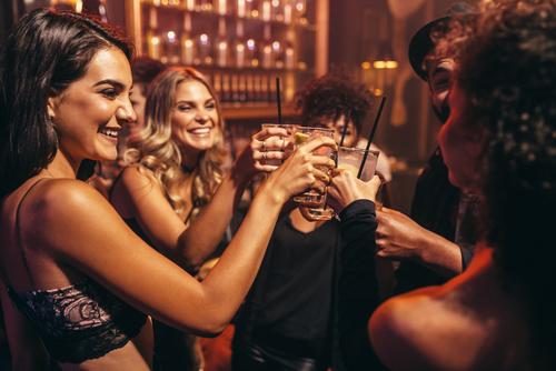 feature post image for Eine Bar mieten, damit die Mottoparty ein Erfolg ist