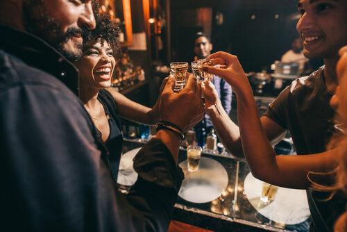 Sie feiern – und die Bar mieten Sie bei openairbar.ch!