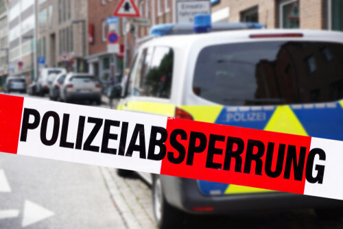 Topaktuelle Polizei Meldungen, immer Die neusten News auf unserer Polizei Seite PolizeiNews24.ch, Unfälle, Top aktuelle Fahndungen, Vermisst Meldungen Strassen Kontrollen. Brände.