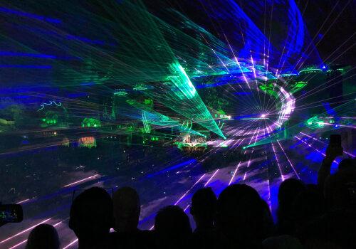 feature post image for Feiern Sie Silvester mit Tomorrowland und tanzen Sie ins Neue Jahr zu den Beats von David Guetta, Major Lazer, Lost Frequencies und Snoopadelic