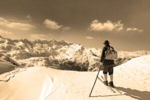 Alte Ski mieten für Dekoration