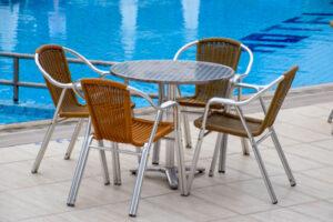 Bistro Tisch und Stühle mieten