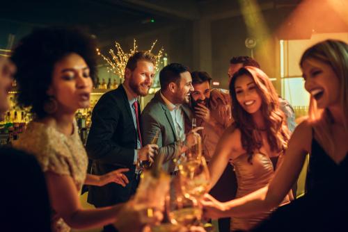 So wird eine richtig gute Cocktailparty organisiert