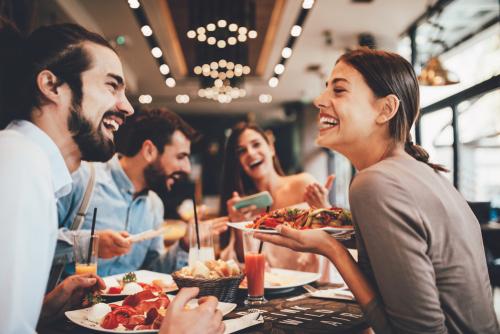 Festmobiliar ausleihen und eine gelungene Feier veranstalten