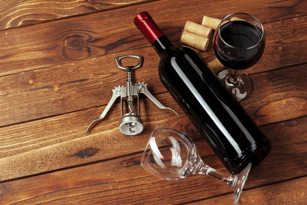 Willkommen zur Weinprobe! (Bild: NewFabrika - shutterstock.com)